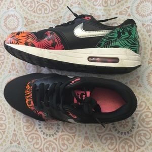 Nike Shoes - 2014 NIKE AIR MAX 1 TROPICAL FLORAL MULTICOLORED